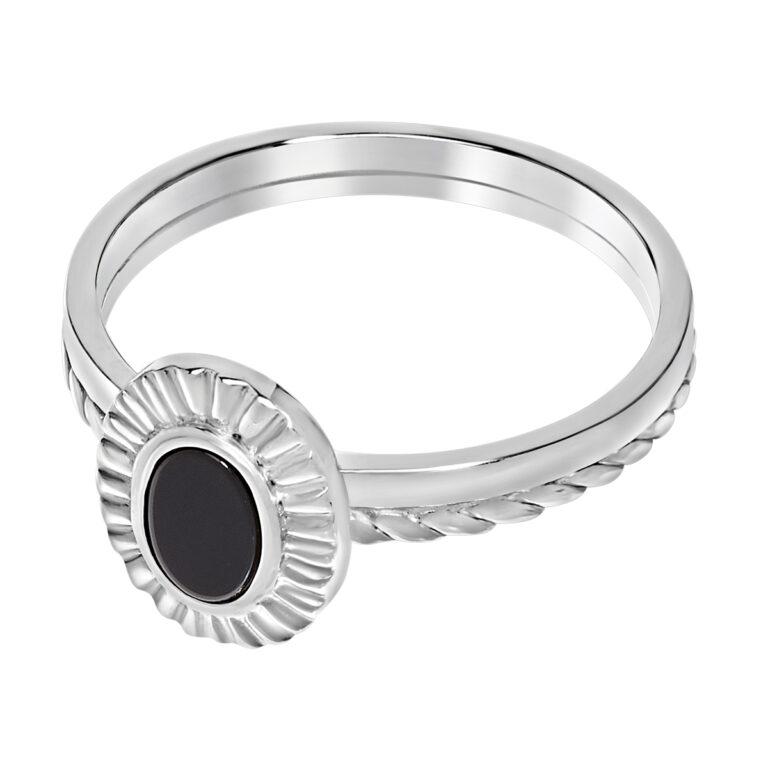 Zilveren ring met ovaal design en zwart steen