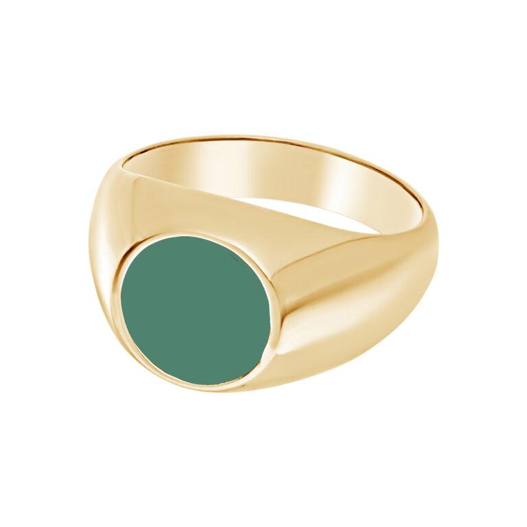 Grote gouden zegel ring met grote ronde groene steen