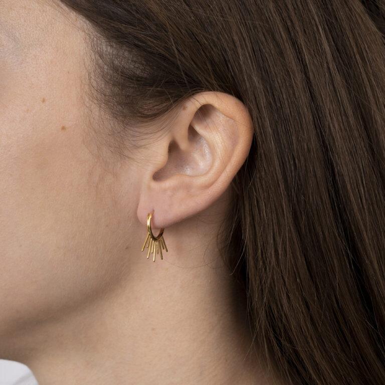 Gouden oorbel met staafjes