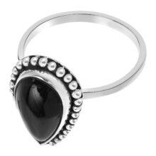 Zilveren ring met druppel design en grote zwarte steen